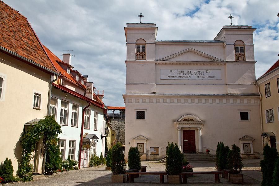 В Таллинн к католикам!