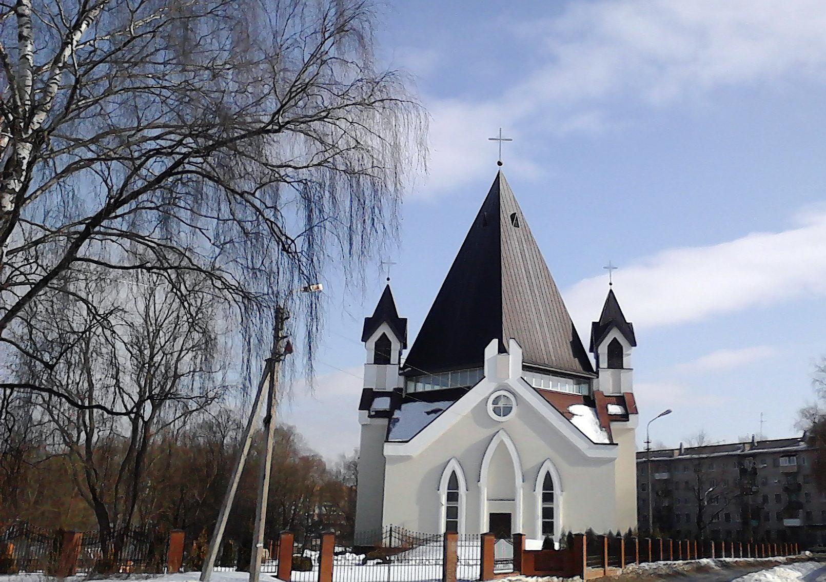 Католики Пскова: одно неоконченное строительство