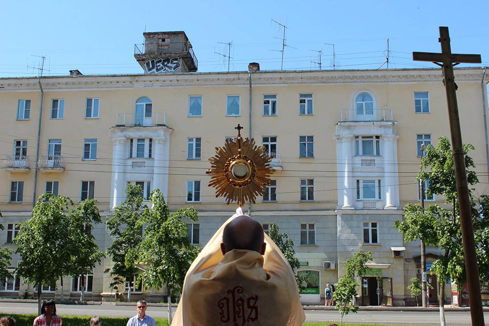 Следовать за Христом: как отпраздновали Corpus Christi католики России и СНГ