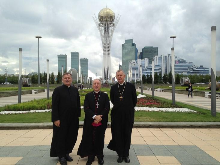 Казахстан посетил примас Польши архиепископ Юзеф Ковальчик