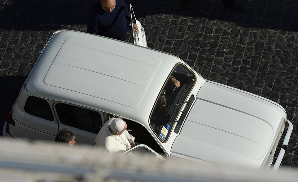 Новый-старый автомобиль Папы Франциска