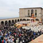 Святая Месса с Папой Франциском в Ассизи
