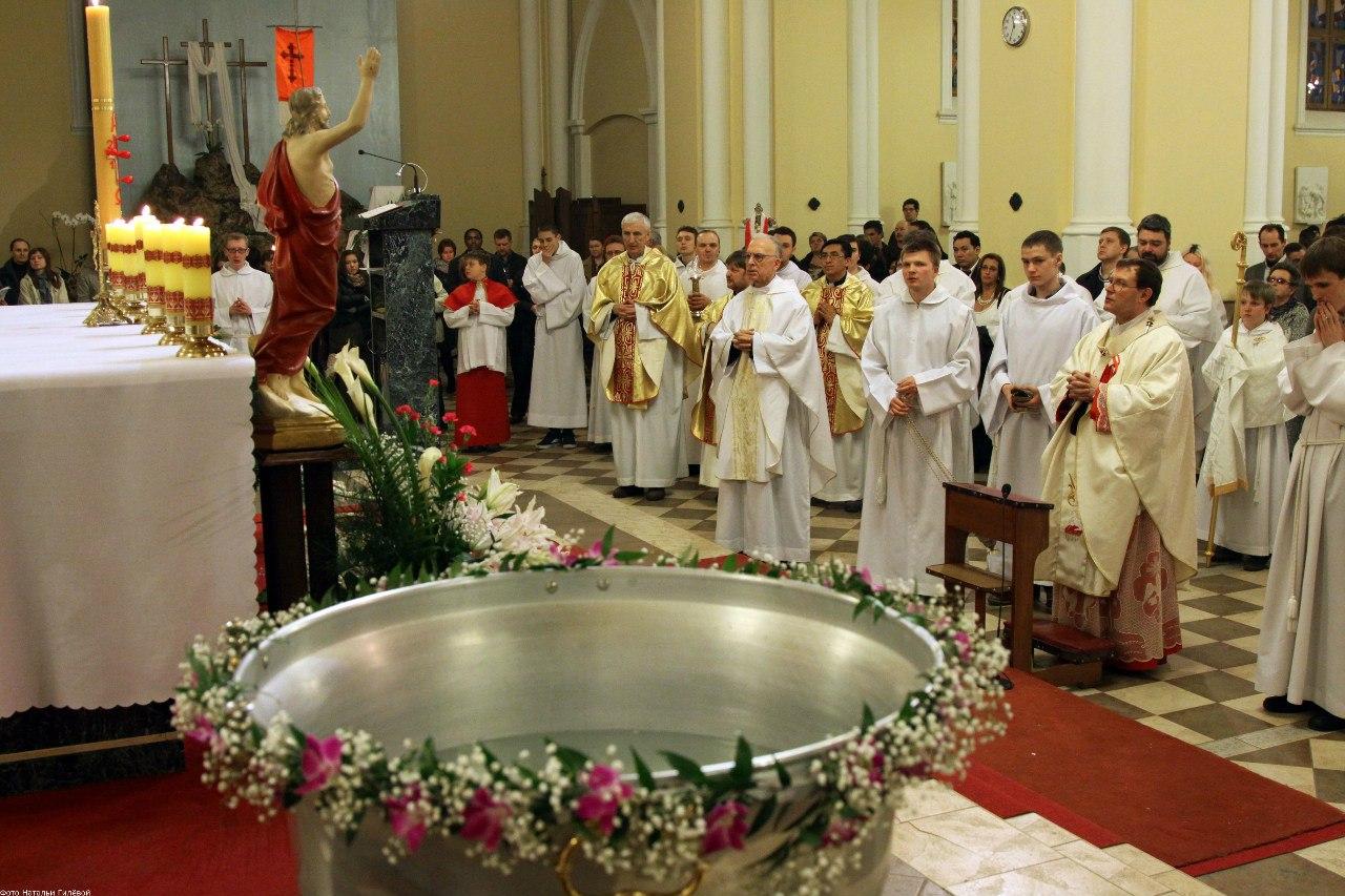 Навечерие Пасхи в Святую Ночь. Литургия крещения