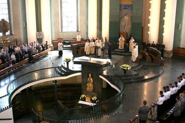 Внутреннее убранство собора. Фото: KMBA/Frank Eggen