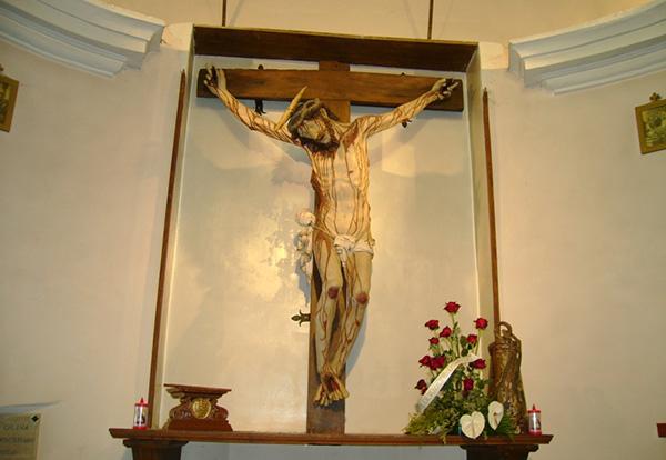 Пьетросанти. Распятие. Святилище Святого Распятия в Бассиано.