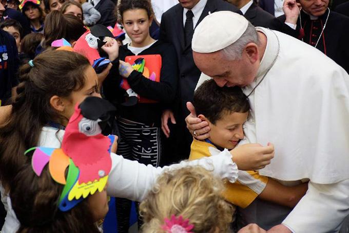 Папа Франциск ответил на вопросы детей