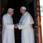 Папа Франциск написал предисловие к книге о Бенедикте XVI