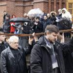 Московские католики прошли Крестный путь по улицам