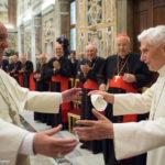 Папе на покое Бенедикту XVI исполнилось 90 лет