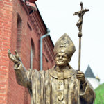 В Тобольске установили памятник Иоанну Павлу II