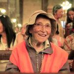 «Бабушка-пилигрим» прошла 570 миль в молитве о семьях