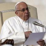 Папа Франциск: «Выйдя за границы, очерченные 10 заповедями, вы разрушаете сами себя»