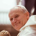 История Папы Иоанна Павла II и таинственного бездомного