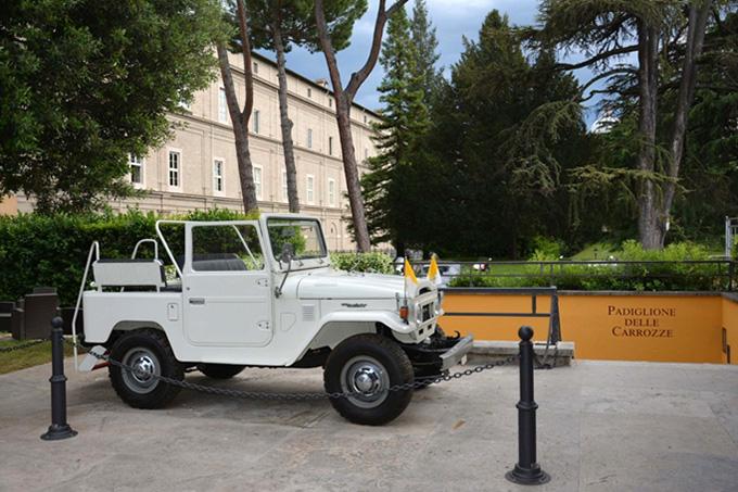Революция в папском гараже