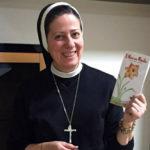 Итальянская монахиня несёт Бога проституткам