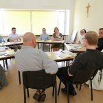 Общеепархиальная пастырская конференция: структурные и пастырские проблемы
