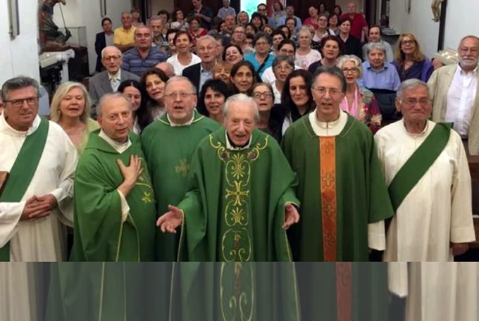 Итальянский священник отслужил Мессу в день своего 100-летия, четверо сыновей-священников сослужили ему