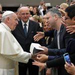 Однополые гражданские союзы и уникальность брака: о чём говорил Папа Франциск?