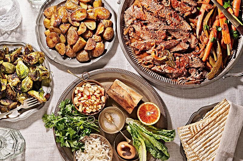 Праздничный ужин в Великий Четверг