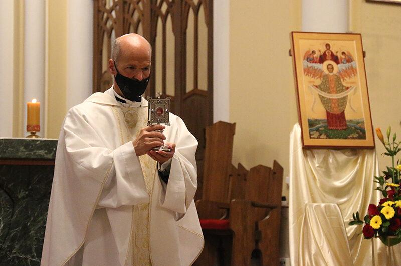 Фото: Святая Месса в честь св. Хосемарии Эскрива в Москве